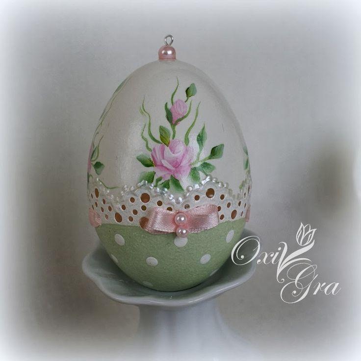 Ręcznie malowane        Różyczki wylepiłam z zimnej porcelany (nr.2)                               (nr.3)  ...