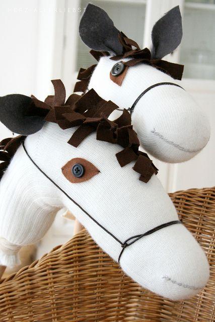 Steckenpferd by herz-allerliebst, stick horse diy sock horse for kids!