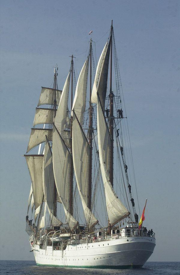 El Cano  buque insignia  español