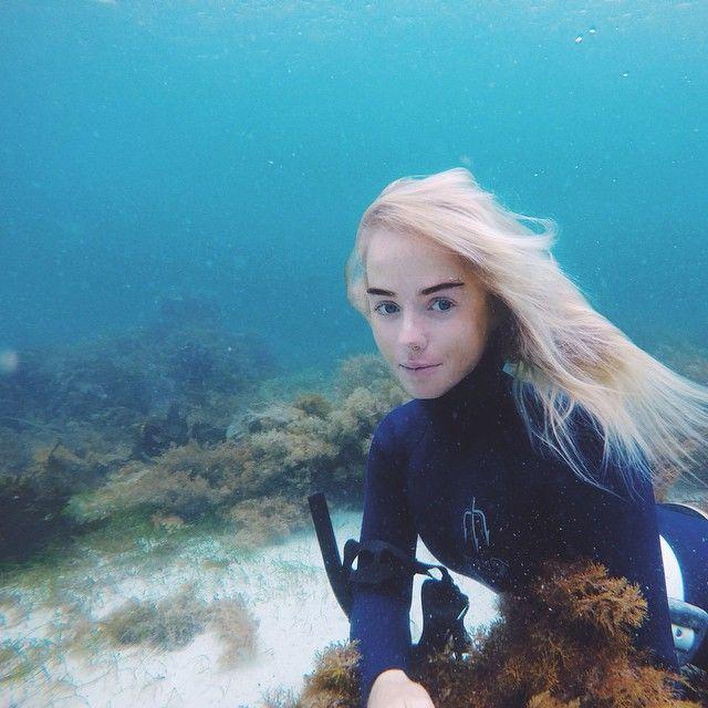 Blonde underwater
