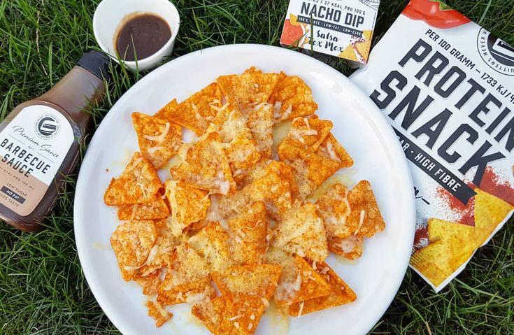 Bock auf nen geilen Couch Snack? Wer meine Stories schaut weiß, dass ich die Nachos von @got7nutrition (Werbung) übertrieben feier.😍😍😍 Bisschen 🧀🧀 Käse druff, kurz in die Micro und dann mit der GOT7 BBQ und dem Nacho Dipp zusammen essen. #slenderchef sås recept mikra nacho protein chips fav