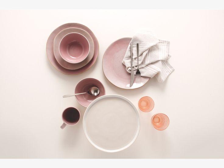 AGNUS PINKS Stoneware Pink dinner plate D26.5cm - HabitatUK