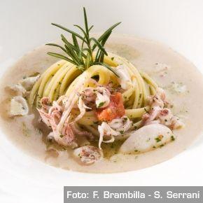 Linguine di Gragnano, calamaretti spillo e salsa al pane di Fobello - Chef Antonino Cannavacciuolo