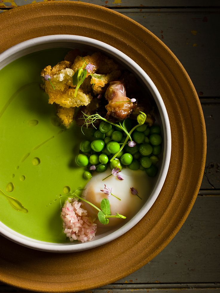 Pea soup with ham hocks for I Love New York by Daniel Humm and Will Guidara of Eleven Madison Park and NoMad. © Francesco Tonelli - See more at: http://theartofplating.com/editorial/francesco-tonelli-chef-to-photographer/#sthash.Kpy8vXb1.dpuf #plating #presentation