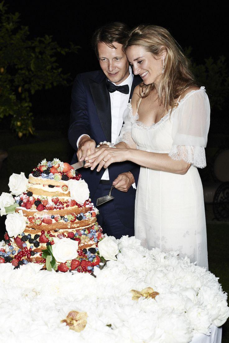 Actress anita wedding cakes