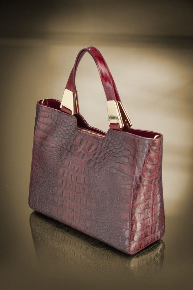 special new year's day creation! get it at: http://shop.arcadiabags.it/product/borsa-media-a-mano/bordeaux/577