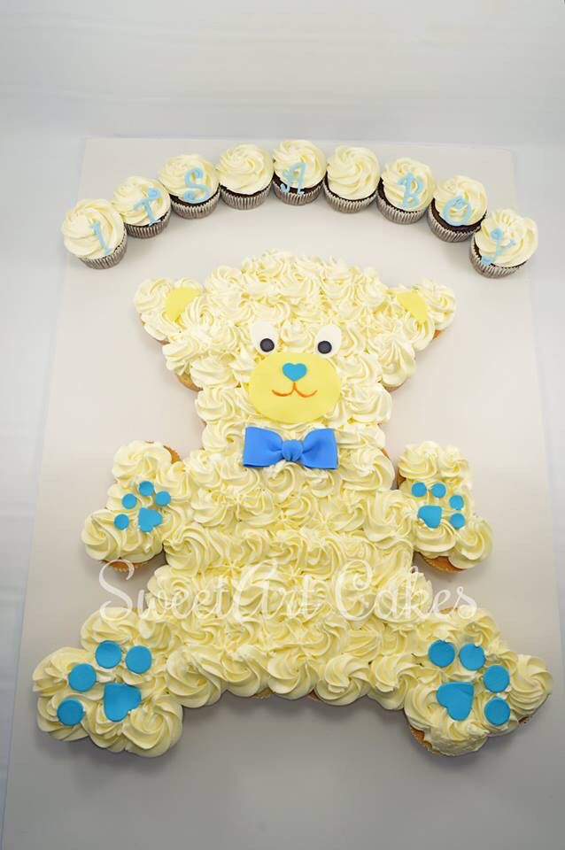 Teddy bear pull apart cupcake cake, baby shower cupcakes