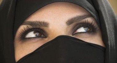 Parigi, artigiano scatta foto per ristrutturazione, la principessa araba: «Uccidetelo»