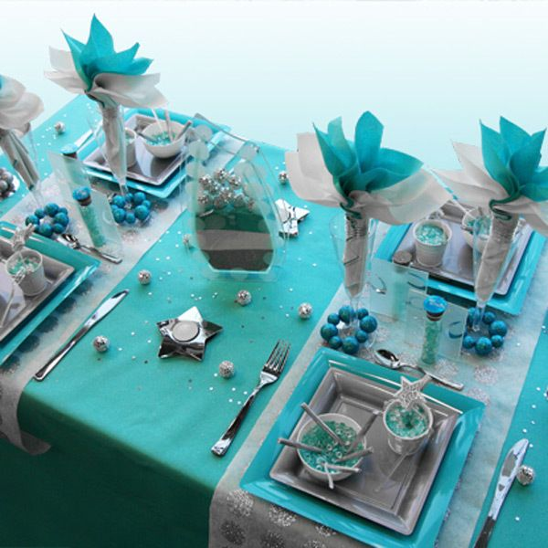 Decoration de table noel turquoise gris blanc deco for Deco table noel bleu et blanc