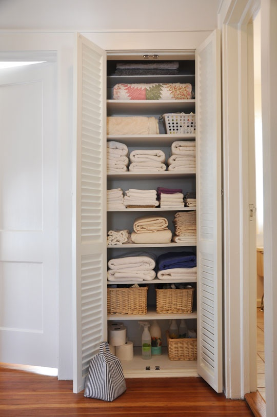 hall closetHall Closets, Closets Doors, Closets Ideas, Beautiful Organic, Apartments Therapy, Organic Ideas, Organic Linens, Linen Closets, Linens Closets