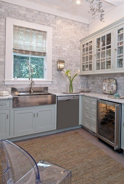 Love the idea of tiling a whole wall and not just a midsection backsplash. - http://www.homedecoz.com/home-decor/love-the-idea-of-tiling-a-whole-wall-and-not-just-a-midsection-backsplash/
