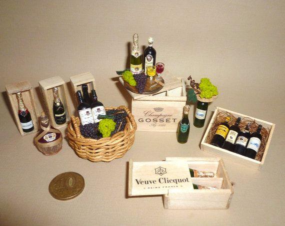 Dollhouse miniatura bodega 01:12 vino, vino, botellas de alcohol, champán, las uvas, copas de vino con botella de vino en caja, cajas de madera, bebida