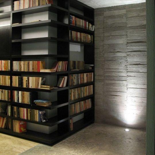 Corner Bookshelf by Factor Architecture -- just wonderful: Idea, Bookcases, Home Libraries, Books Shelves, Corner Bookshelf, Interiors Design, Living Room, Corner Bookshelves, House