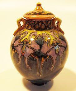 Little vase by J.w. Mijnlieff. Holland Utrecht, 1894-1918
