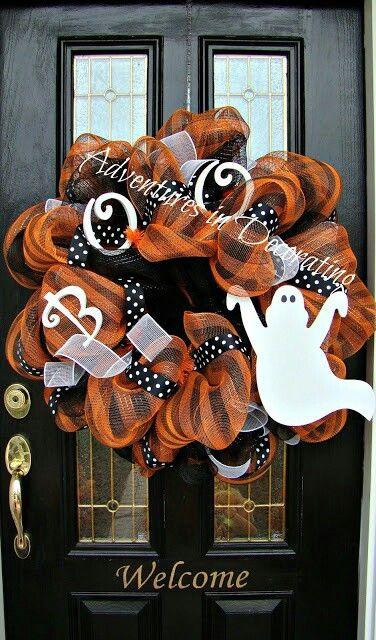 Love this Halloween wreath