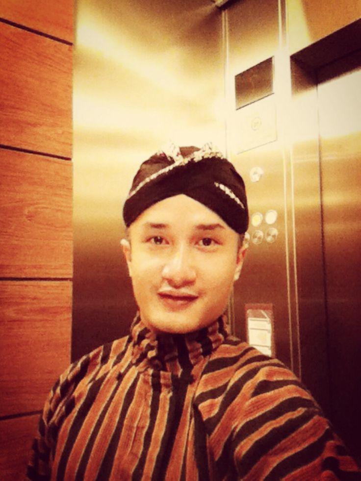 -Kulo tiang njawi- Translate: I am Javanese