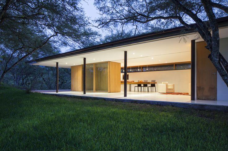Casa Los Faiques by Duran & Hermida Arquitectos