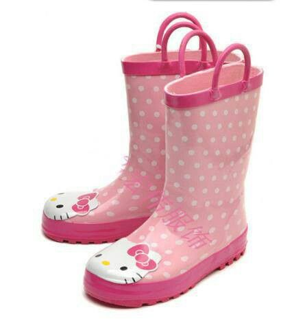 READY STOCK KIDS RAIN BOOTS KODE : HK Suri PRICE : Rp.190.000,- AVAILABLE SIZE (insole) : - Size 25 (16,5cm) - Size 26 (17cm) - Size 27 (17,5cm) - Size 28 (18cm) - Size 29 (18,5cm) - Size 30 (19,8cm)  FOR ORDER : SMS/Whatsapp 087777111986 PIN BB 766a6420