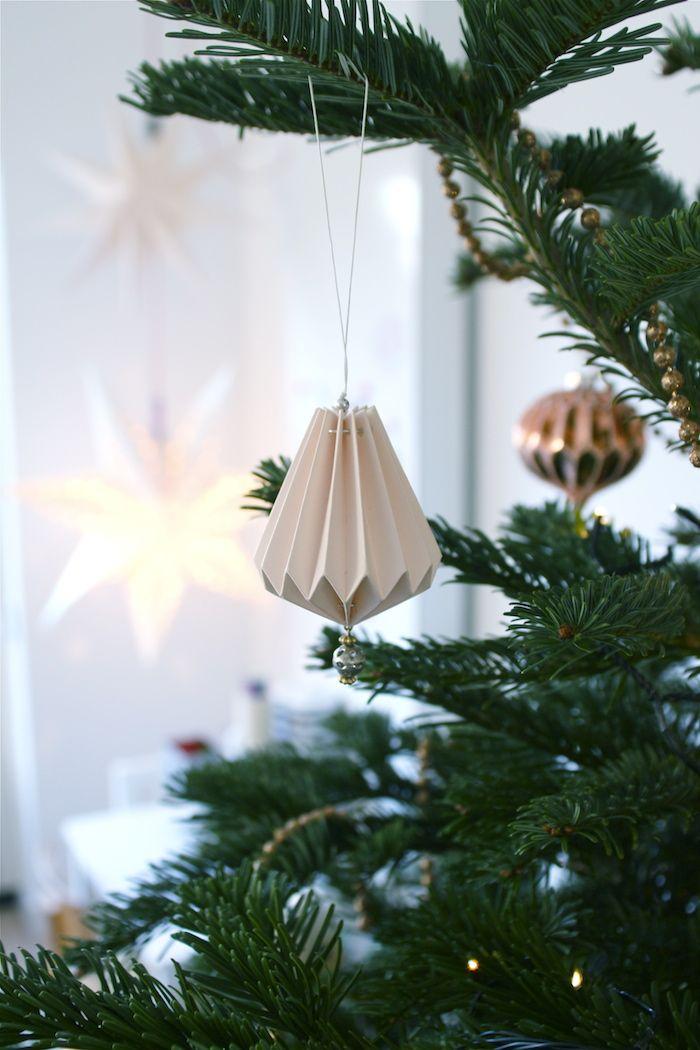 Repin ter inspiratie   Christmas Tree Black White Pink Copper   Kerstboom Zwart wit en Roze Koper  