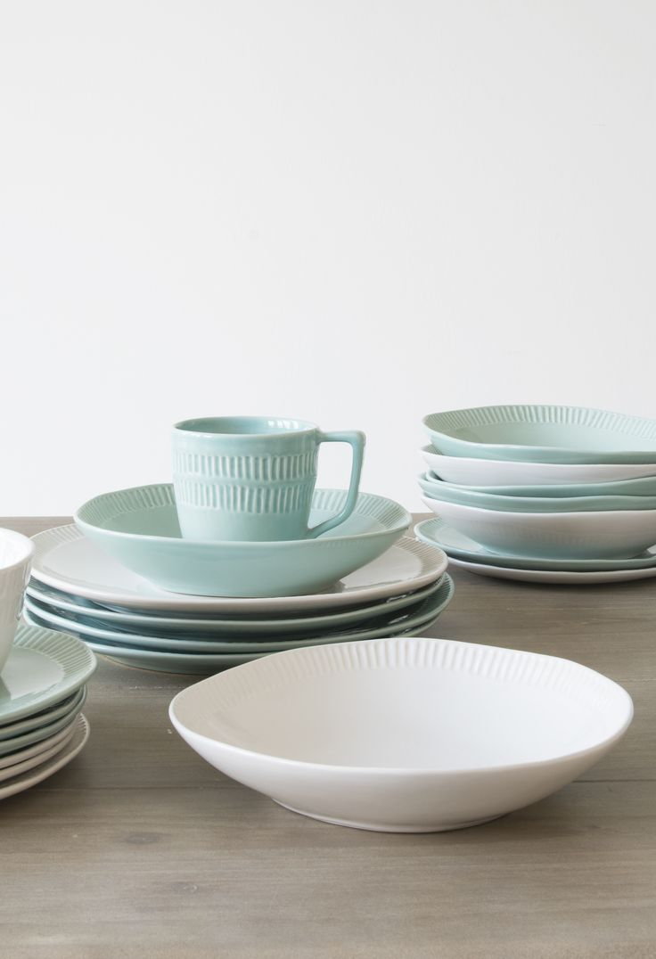 These wibbly-wobbly ceramics are hand-crimped and glazed in northern Portugal so that each one is unique. Pile high with freshly tossed salad. Or better still, a whopping great bowl of pasta. This beautiful tableware is available in white or light jade.