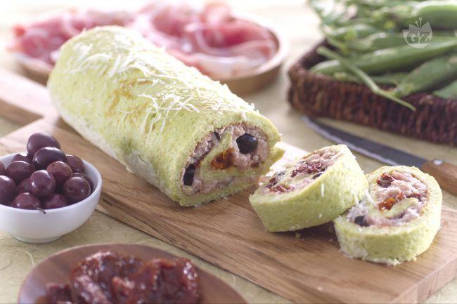 Ricetta Rotolo ai piselli con crudo e pomodori secchi - Le Ricette di GialloZafferano.it