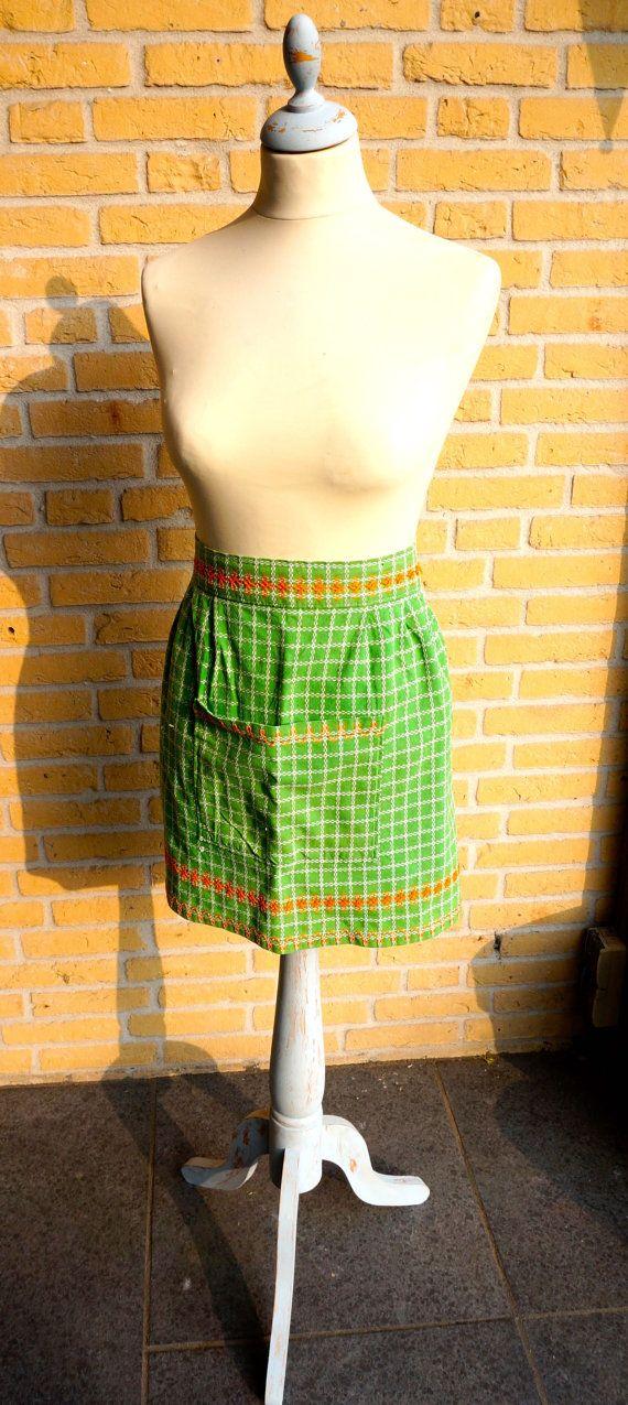 Retro schort groen en oranje handgemaakte Vintage door MyCupOfRetro