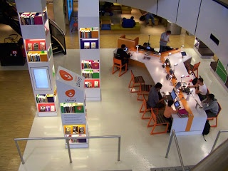 *Schiphol's Airport Library  The 'M' Word - Marketing Libraries: Take the Library to the People!
