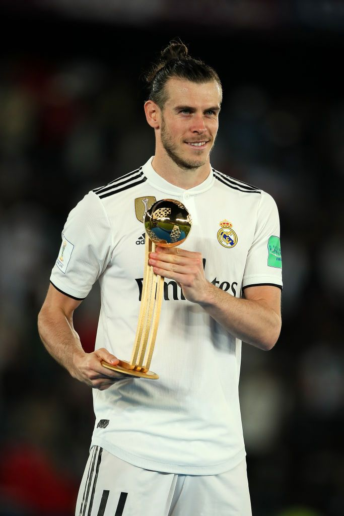 Gareth Bale Of Real Madrid Poses With The Fifa Club World Cup Golden Gareth Bale Club World Cup Real Madrid