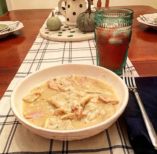 easy chicken and dumplings   threehousewives