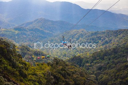 Skyway cable car moving up to the peak of Genting highlands, Malaysia — Stock Photo © rosnun.gmail.com #121012360
