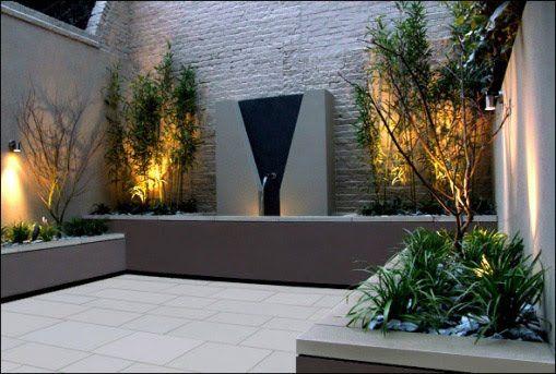 courtyard with fountain and eyebrow pergola | Cómo decorar terrazas o patios pequeños- Imágenes de espacios ...