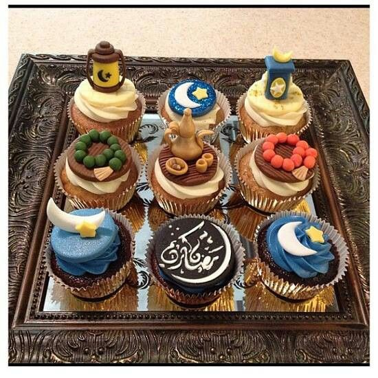 Ramadan decorated cupcakes! Great idea for the kids party