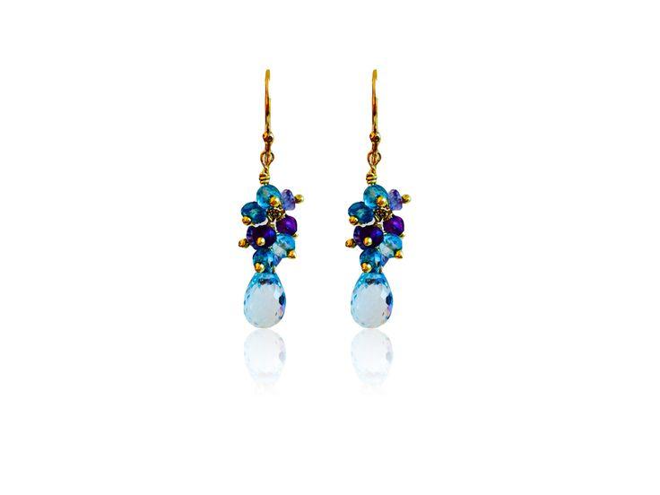 Boucles d'oreilles or, goutte en topaze bleue, perles en Amethyste, tanzanite et topaz bleue  Gold blue topaze earrings, tanzanite, amethyst and blue topaz earrings. Made in Paris with LVE !