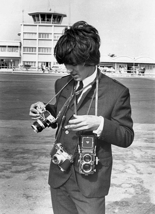 George Harrison.The Beatles, George Harrison, Happy Birthday, Paul Mccartney, Hard Time, Georgeharrison, Black White, Boys George, Old Cameras