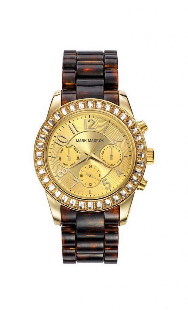Reloj multifunción brazalete con esfera color dorado y bisel con piedras. Cierre desplegable. Cristal mineral. Impermeable 30m (3ATM).