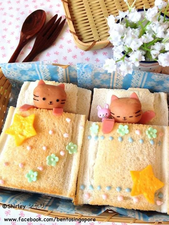 Sleeping Kitty Sausage Toast Bento