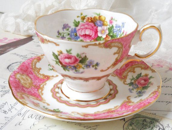 English floral tea cup Royal Albert Lady by minoucbrocante