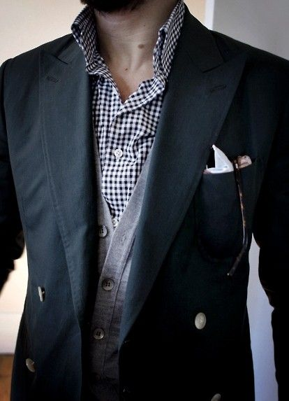 #MensFashion #Gentleman #Men #Fashion #Suit #Jacket #SingleBreasted #Shirt #Sunglasses #Cardigan #Pocketsquare #Lapels #Vents #SleeveButtons #Trousers #Cuffs #Fabrics #GoodLooking #Elegance