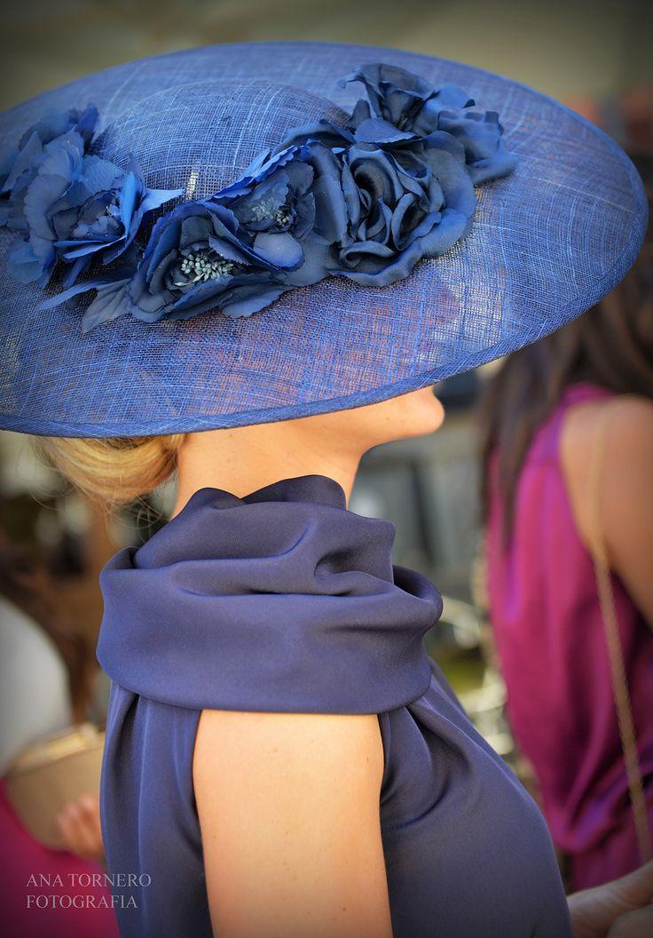 royal blue is a gorgeous color | www.portlandmeadows.com