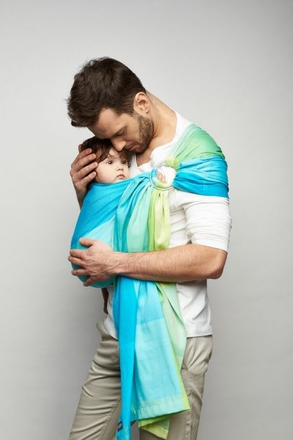 Sling Zaffiro Hug Me - sling wiht ring. Adjust the sling using the rings in a comfortable and easy way. Be close heart with heart. Babywearing