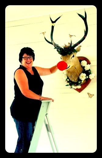 The special lady behind the Tauranga Wedding show helping Stanley get sorted...