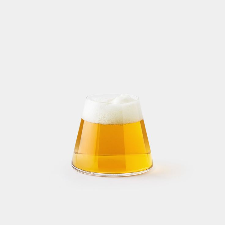 Good beer requires good presentation. Inspired by Japan's tallest mountain   Mt. Fuji, this unique beer glass is designed by Keita Suzuki, and handblown   by master craftsmen at Sugahara Glassworks. Pour in your favorite beer with   a generous head and Mount Fuji appears in all its glory.    The Fuj