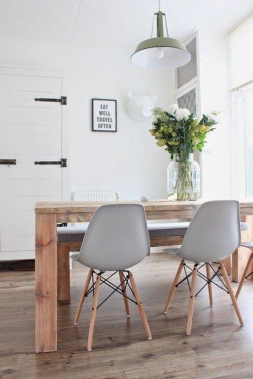 Love The Eames Chair.