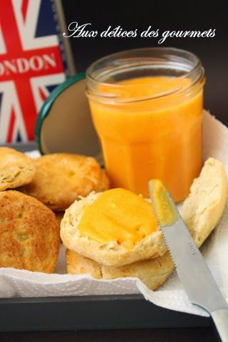 SCONES AU BABEURRE ET ORANGE CURD
