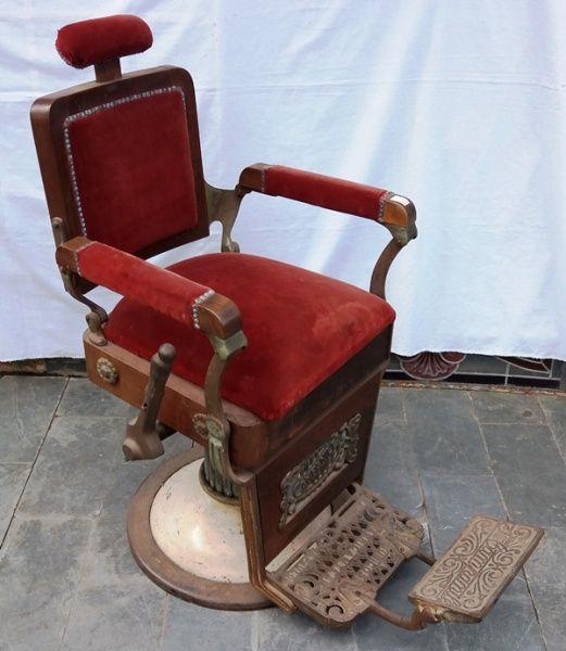 Antiga cadeira de barbeiro anos 30/40 manufatura Campanile estrutura em ferro forget, madeira, enc