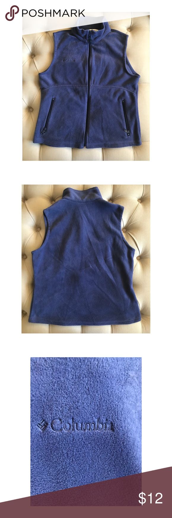 ❄️ Women's Columbia Blue Fleece Zip Up Vest ❄️ Used but in very good condition. Size Large. It's a shade of blue; I believe it's called nocturnal. Comes from pet/smoke free home. Prefect for Fall/Winter. Columbia Jackets & Coats Vests