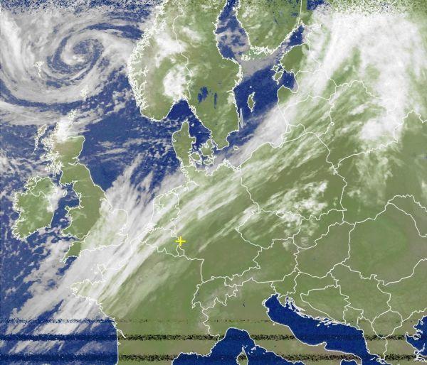 Satellitenbild: Herbst ringt Sommer nieder - Donnerwetter.de
