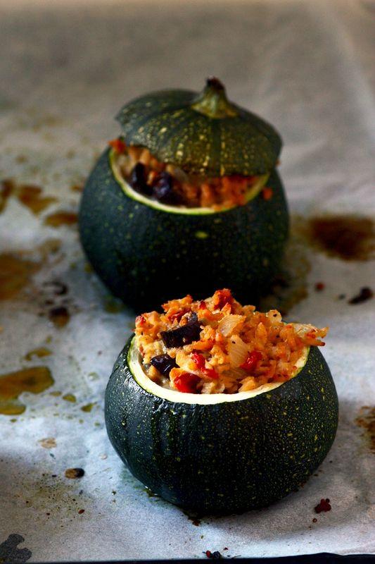 Courgettes farçies 100% végétales, aux olives et tomates séchées - Chez Clem...