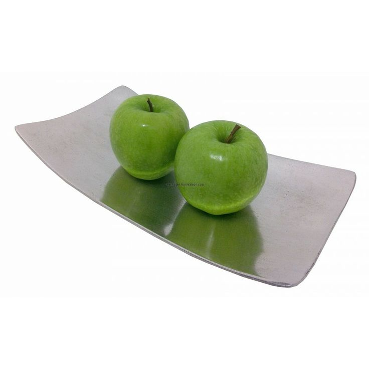 Corbeille de fruits en alu massif, pour une décoration de table design et épuré. http://www.amenager-ma-maison.com/corbeille-design-PR-1275.html