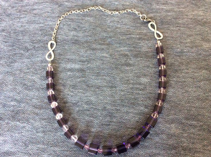 Colier din cristale cubice mov de 10 şi  6 mm, cristale biconice roz cu o infinită strălucire ;)    bijuterii.micky@gmail.com #bijuteriihandmade